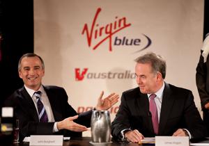 Ο Γενικός Διευθυντής της Etihad Airways, Mr James Hogan, (αριστερά) και ο Γενικός Διευθυντής των Αερογραμμών Virgin Blue Group, Mr John Borghetti (δεξιά) μέλη πληρώματος της Etihad και της Virgin Blue