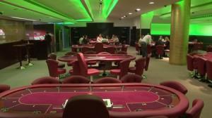 Η πρώτη μέρα του Texas Hold'em Poker στην Ελλάδα προσέλκυσε στο Casino Loutraki 5.000 επισκέπτες, ενώ πάνω από 1.500 γνώρισαν και απόλαυσαν την πραγματική διάσταση του παιχνιδιού.