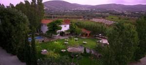 Πολιτιστικό Πάρκο, στα Μεσόγεια, όπου εδρεύει το Μουσείο Ελληνικής Λαογραφίας