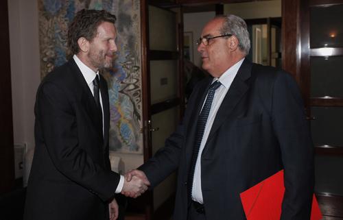ο Υπουργός Πολιτισμού και Τουρισμού Παύλος Γερουλάνος και ο Δήμαρχος Πειραιά Βασίλης Μιχαλολιάκος