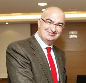ο πρόεδρος του Ξενοδοχειακού Επιμελητηρίου Ελλάδος κ. Γιώργος Τσακίρης