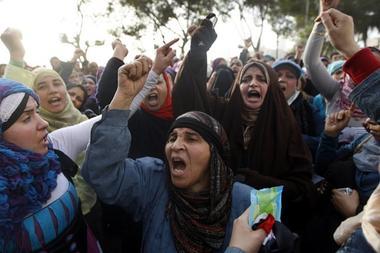 Τουλάχιστον 140 άνθρωποι έχουν χάσει τη ζωή τους από το διαδηλώσεις που ξεκίνησαν την περασμένη Τρίτη.