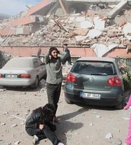 Φονικός σεισμός μεγάθους 7,2 ρίχτερ που χτύπησε χθες την νοτιανατολική Τουρκία