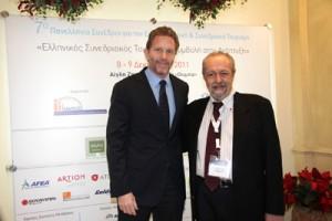 Ο Υπουργός Πολιτισμού και Τουρισμού κ. Παύλος Γερουλάνος με τον Πρόεδρο του HAPCO κ. Ντίνο Αστρά, στο 7ο Συνέδριο του HAPCO