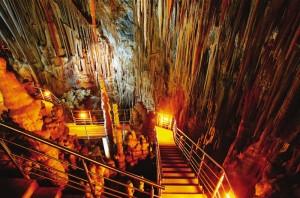 Εικονική περιήγηση στο Σπήλαιο της Καστανιάς και την Καστροπολιτεία