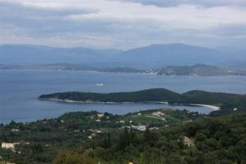 Μαγαζί γωνία η Ελλάδα, η Τρόικα προτείνει ένα... partner για το ΤΑΙΠΕΔ