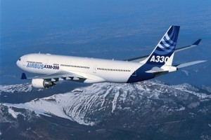 Airbus_A330-200_800_travelling