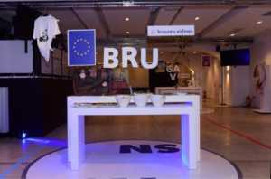 Απολαυστικά γλυκίσματα και οι διάσημες βέλγικες βάφλες σερβίρονταν στο booth του κόμβου των Βρυξελλών