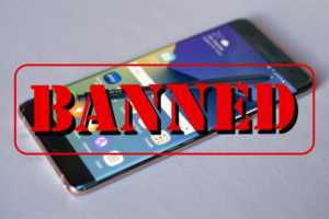 The U.S. Department of Transportation bans all Samsung Note 7 smartphones fron airplains