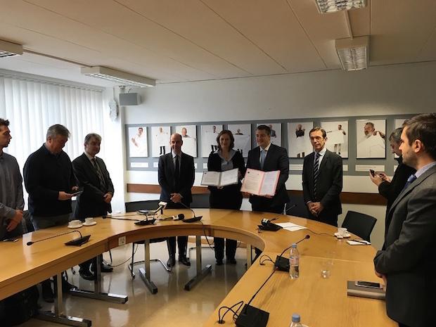 Τζιτζικώστας: «Το Σύμφωνο συνεργασίας με το ερευνητικό ινστιτούτο του CERN το πρώτο βήμα για τη μετατροπή της Κεντρικής Μακεδονίας σε Περιφέρεια Καινοτομίας και νέων τεχνολογιών»