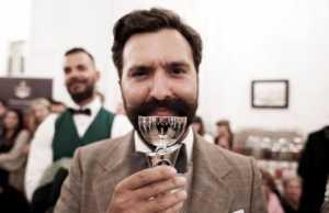 Το Poseidonion Grand Hotel διοργάνωσε με επιτυχία για 4η συνεχή χρονιά το Tweed Run στις Σπέτσες