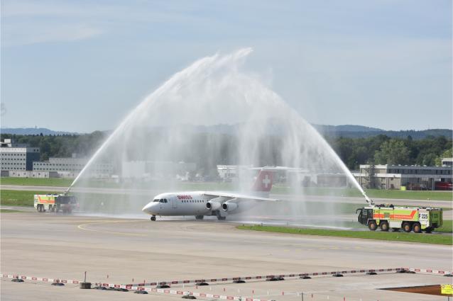 SWISS says goodbye to last Avro RJ100