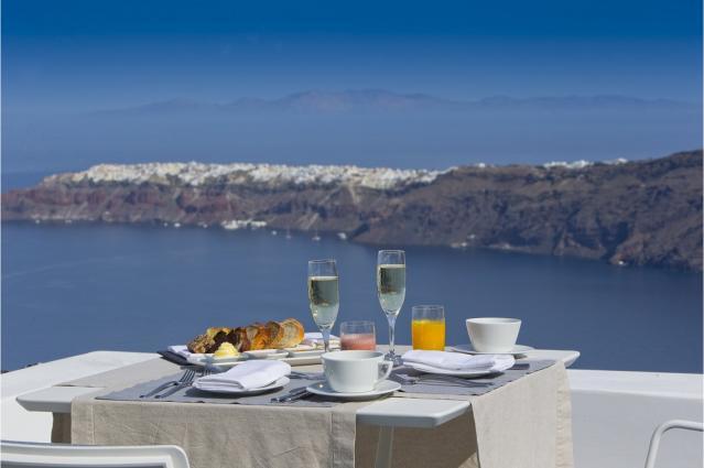 To εστιατόριο Santoro του Grace Santorini ανάμεσα στα κορυφαία ... 48e6e93e545