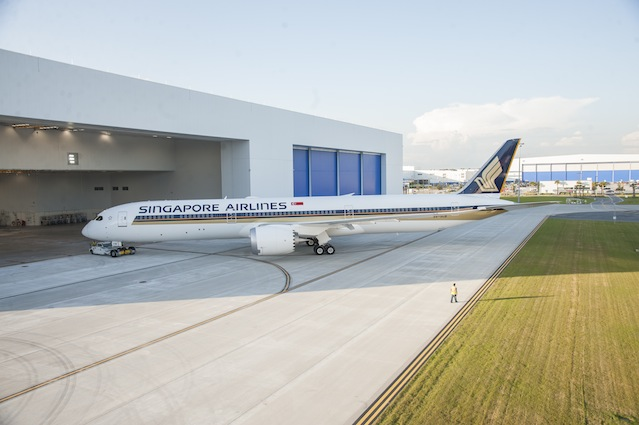 SINGAPORE AIRLINES' FIRST BOEING 787-10 TO SERVE OSAKA