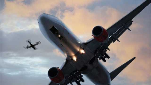 Xάος στο Gatwick, Διεκόπησαν οι πτήσεις μετά από εμφάνιση drones