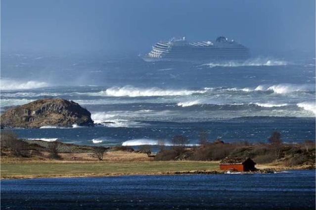Θρίλερ - Διάσωση από το κρουαζιερόπλοιο στη Νορβηγία - Συγκλονιστικά βίντεο επιβατών