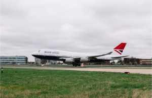 Το αεροσκάφος με το τελευταίο επετειακό σχέδιο της British Airways προσγειώθηκε στο Heathrow, καθώς συνεχίζονται οι εορτασμοί για τα 100 χρόνια της εταιρίας
