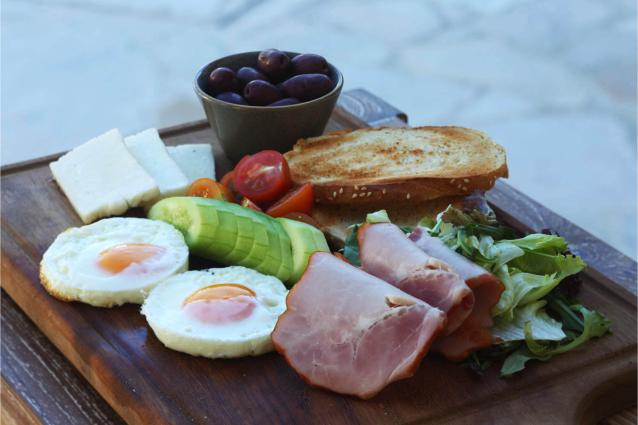 Εβδομάδα κυπριακού προγεύματος στα ξενοδοχεία της Louis Hotels