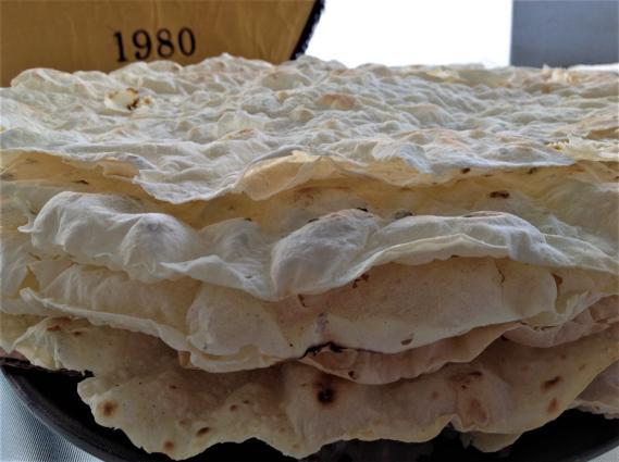 Φύλλα πιροσκί για την ποντιακή πίτα στην Ιερισσό