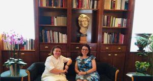 Συνάντηση της υπουργού Πολιτισμού και Αθλητισμού κ. Λίνας Μενδώνη με την ομογενή υπουργό Υγείας της Βικτώριας της Αυστραλίας κ. Τζένη Μικάκου