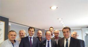 Συνάντηση πολιτικής ηγεσίας του Υπουργείου Τουρισμού με την Πανελλήνια Ομοσπονδία Ταξί και Αγοραίων