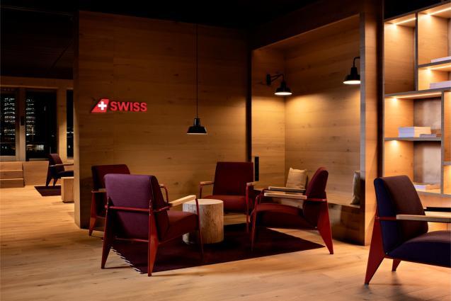 SWISS opens new Alpine Lounge at Zurich Airport