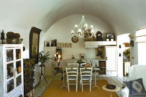 Finikia Residence: Μια αναπαλαιωμένη «κάναβα» στη Σαντορίνη στο χαρτοφυλάκιο των Aria Hotels
