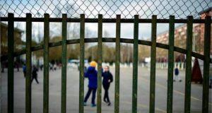 Κλείνουν τα σχολεία όλης της χώρας για 14 ημέρες