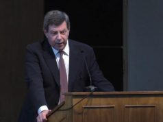 Κώστας Κωστής, Καθηγητή Οικονομικής και Κοινωνικής Ιστορίας στο Τμήμα Οικονομικών Επιστημών του Πανεπιστημίου Αθηνών