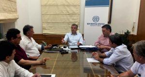 Συνάντηση στην Περιφέρεια Κρήτης για τα αναγκαία έργα στην περιοχή του νέου αεροδρομίου