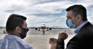 Υποδοχή της πρώτης πτήσης στο αεροδρόμιο «Μακεδονία»