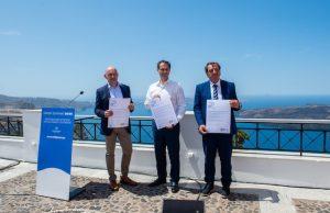 """Εκδήλωση για το άνοιγμα του ελληνικού τουρισμού και της """"εναλλακτικής"""" τουριστικής καμπάνιας «Plastic-Free Santorini»"""