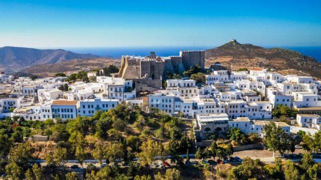 Travel & Leisure: Στην Πάτμο, η καλύτερη μυστική Ελληνική παραλία της Ευρώπης!
