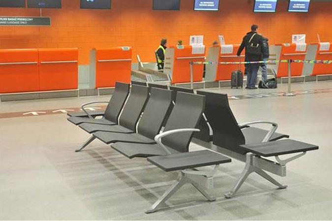 Σε καθίσματα αναμονής SATO θα κάθονται οι επισκέπτες όλων των νέων αεροδρομίων